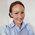Niina Kuusinen työskentelee TOP-hankkeessa lastensuojelun erityisasiantuntijana.